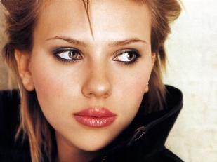 Scarlett-Johans1111-piacenza.jpg