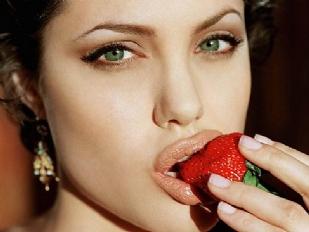 Angelina-Jolie-2508-piacenza.jpg