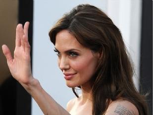 Angelina-Jolie-3054-piacenza.jpg