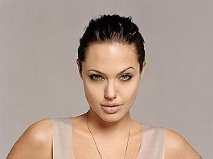 Angelina-Jolie-3289-piacenza.jpg
