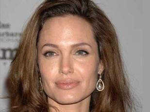 Angelina-Jolie-9576-piacenza.jpg