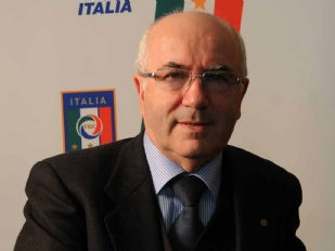 Calcio-Carlo-T15134-piacenza.jpg