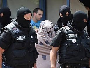 Attentati-a-Par16958-piacenza.jpg