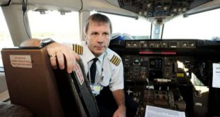 Iron Maiden. Bruce Dickinson pilota sul volo Olbia-Torino
