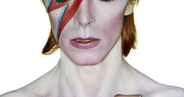 "Poster del film ""David Bowie Is Happening Now"""