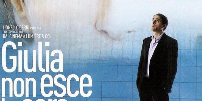 """Poster del film """"Giulia non esce la sera"""""""