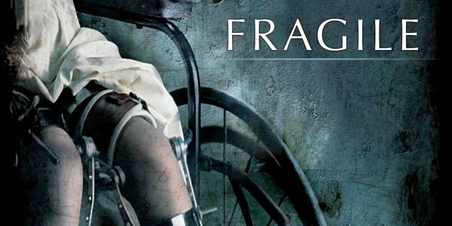 """Poster del film """"Fragile - A ghost story"""""""