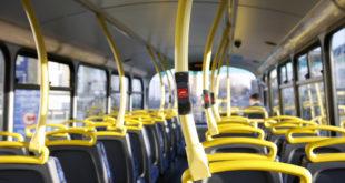 Sul bus senza biglietto insultano i poliziotti. Denunciate due ragazze