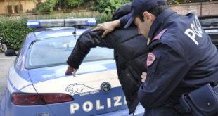 Piacenza. Aggredisce una donna, ma la Polizia lo insegue e lo arresta