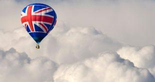 Brexit. I nodi cominciano a venire al pettine. Banche addio, sterlina al minimo storico