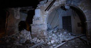 Terremoto in centro Italia. Tre forti scosse in poche ore. Crolla campanile a Camerino