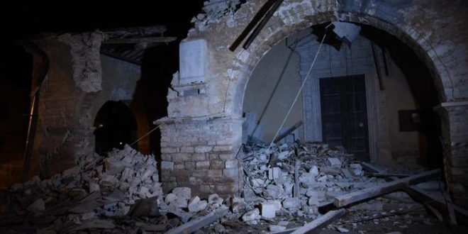 Rubble and rescue operations after the strong earthquake in Villa Sant'Antonio village, near Visso, Marche region, central Italy, 26 october 2016. ANSA/MATTEO CROCCHIONI