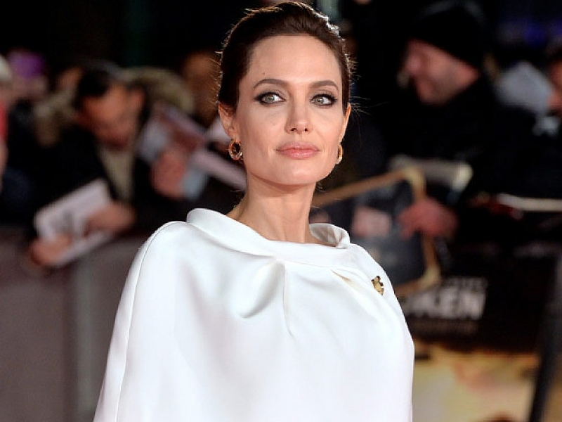Angelina-Jolie17132-piacenza.jpg