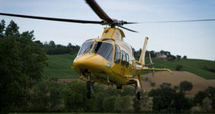 Cade dal tetto di un'abitazione. 76enne in gravi condizioni dopo un volo di cinque metri