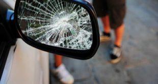 Specchietti spaccati nel parcheggio dello Stadio. Denunciato un 39enne