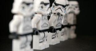 Star Wars. 470mila euro all'asta per la pistola di Han Solo
