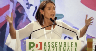 Terremoto Tarasconi all'Assemblea PD. Sui quotidiani l'assenza di Renzi passa in secondo piano