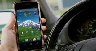 Sicurezza sulla strada. Alla guida al cellulare, 25 autotrasportatori sanzionati