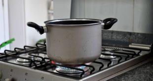 Larve nei piatti della mensa. Blitz dei NAS di Parma al carcere delle Novate