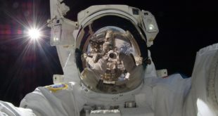 Ritorno alla Luna entro 5 anni. L'annuncio del vicepresidente degli Stati Uniti Mike Pence