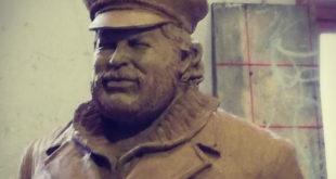 Bud Spencer. A tre anni dalla sua perdita l'italia lo commemora con una statua