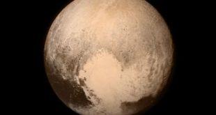 """Plutone declassato? Ma il capo della Nasa non ci sta: """"È un pianeta"""""""