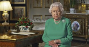 """Elisabetta II: """"C'è ancora molto da sopportare, ma torneranno giorni migliori"""""""