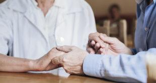 """Centri diurni per anziani. Tarasconi: """"situazione insostenibile, devono riaprire"""""""